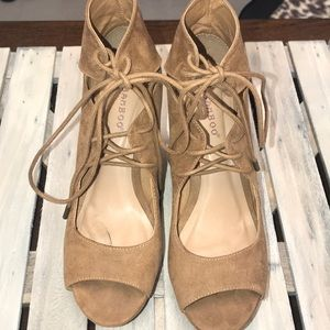 LACE UP WEDGE TAN